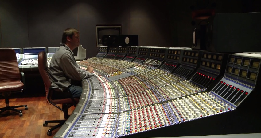 The+Story+of+the+Focusrite+Studio+Console+-+Review.jpg