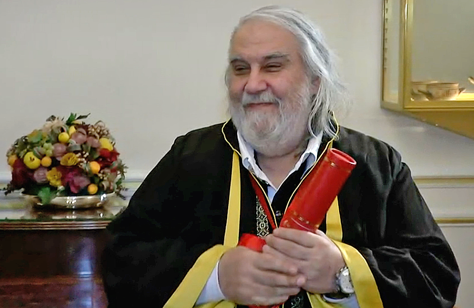 vangelis_doctorate_paris1.png